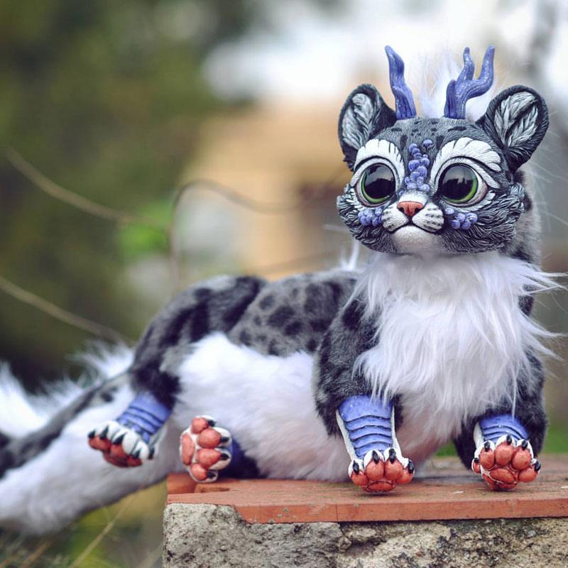 artist sculptor lisa toms dreams up creatures that dont live on our world 5 Sculptor Lisa Toms Dreams Up Creatures that Dont Live in Our World