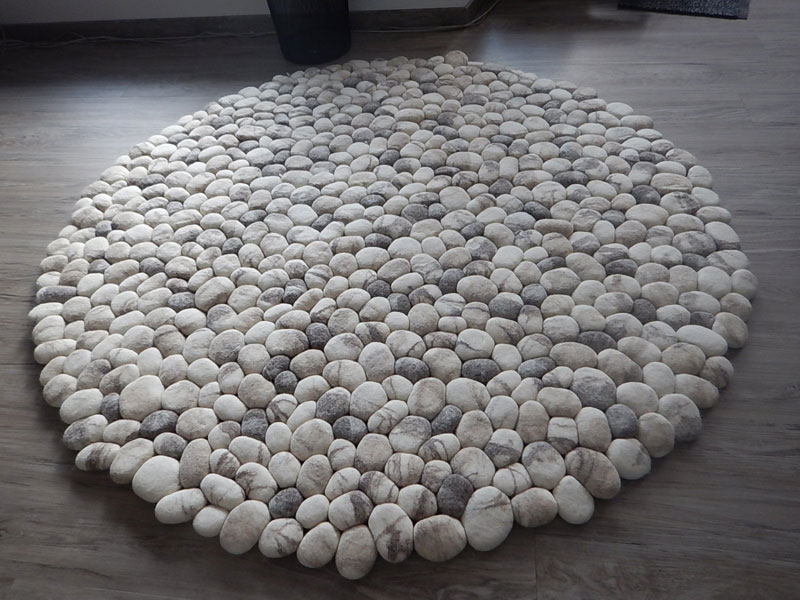 plush stone rungs by martina schuhmann flussdesign 4 These Stone Rugs are Actually Plush and Squishy