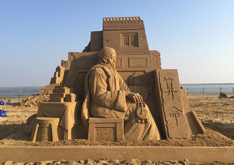 sand sculptures by toshihiko hosaka 12 Toshihiko Hosaka Creates Incredible Things Out of Sand