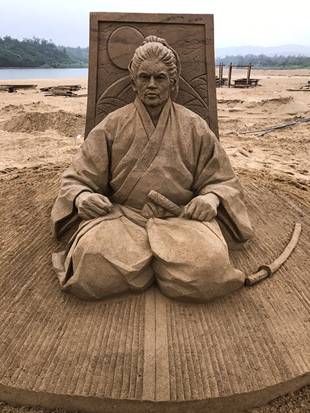 sand sculptures by toshihiko hosaka 18 Toshihiko Hosaka Creates Incredible Things Out of Sand