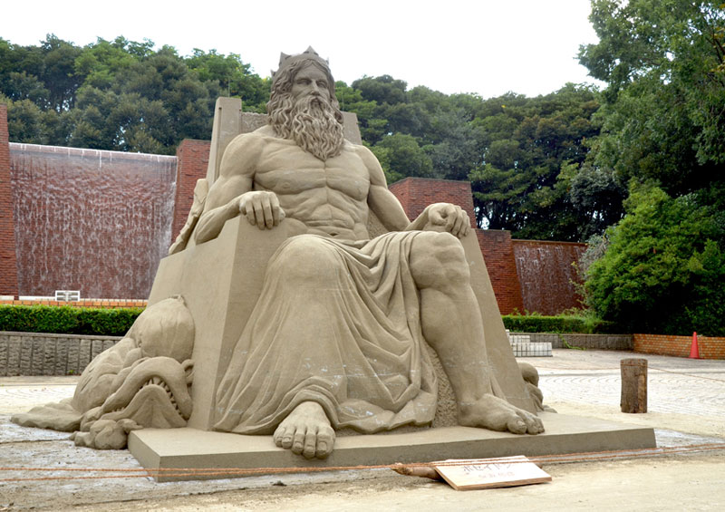 sand sculptures by toshihiko hosaka 3 Toshihiko Hosaka Creates Incredible Things Out of Sand