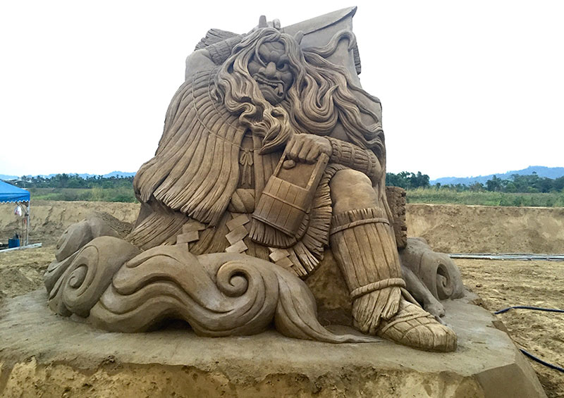 sand sculptures by toshihiko hosaka 4 Toshihiko Hosaka Creates Incredible Things Out of Sand