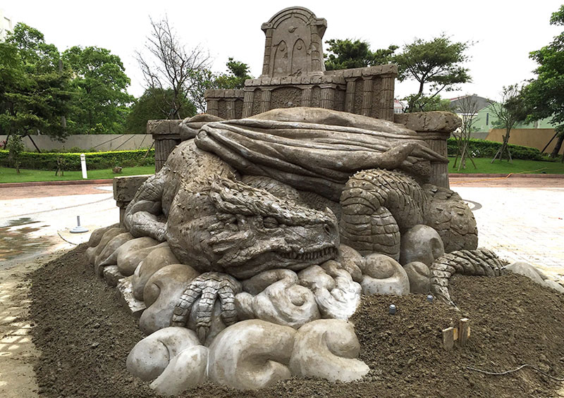 sand sculptures by toshihiko hosaka 6 Toshihiko Hosaka Creates Incredible Things Out of Sand