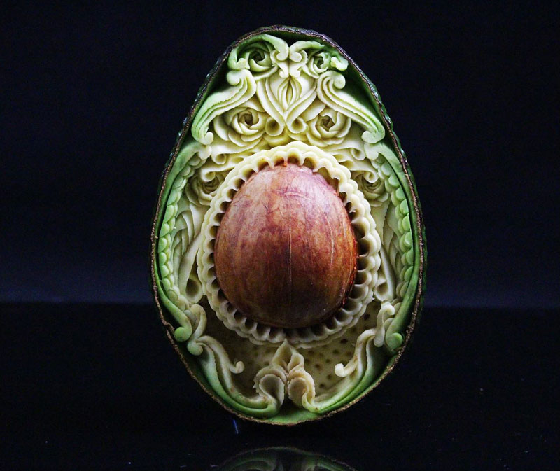 food carving by daniele barresi 1 Daniele Barresi Can Carve Anything (8 Photos)