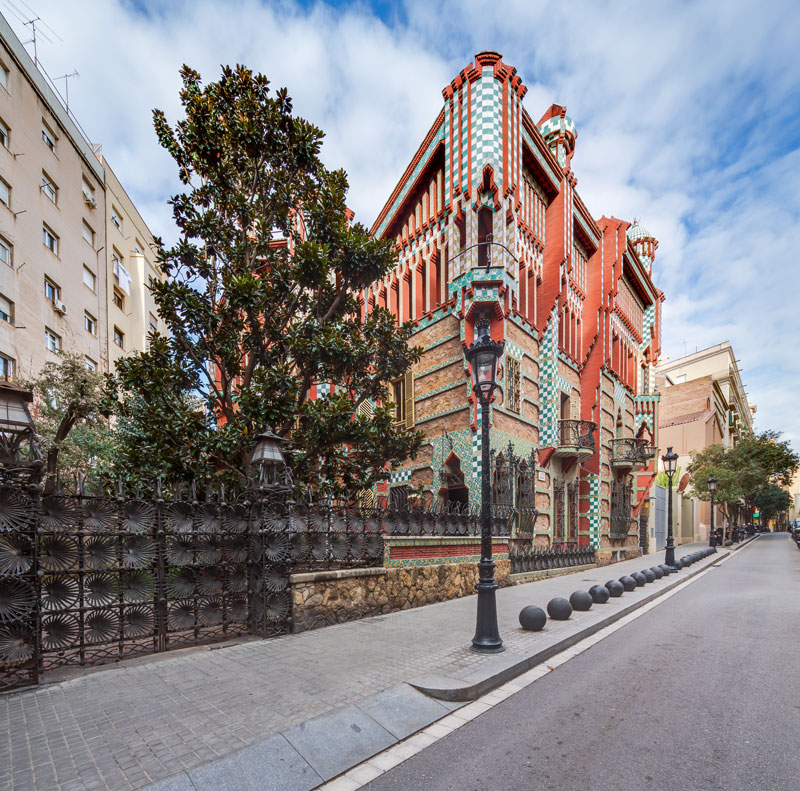 The first house gaudi ever designed just opened to the for Casa vicens gaudi