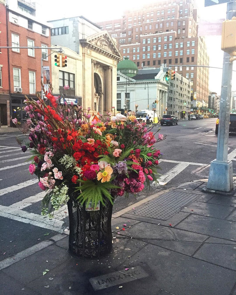 giant flower bouquets new york city streets lews miller design 2 A Team of Florists Have Been Leaving Giant Bouquets Around New York and Its Amazing