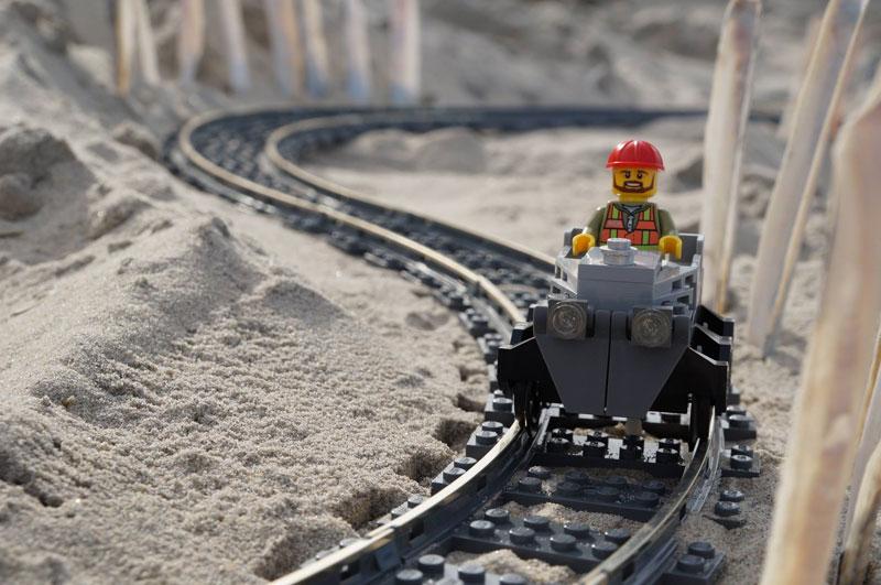 Αποτέλεσμα εικόνας για Lego Sand Roller Coaster