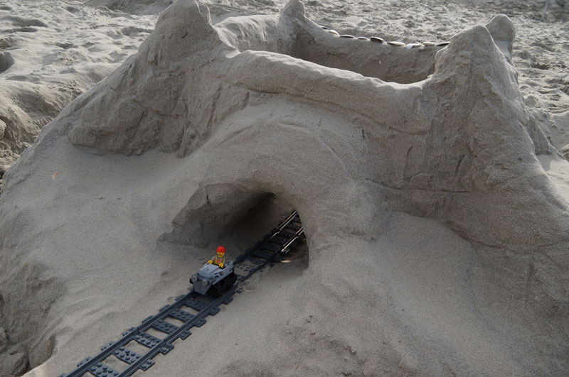 lego sand roller coaster by 5 mad movie makers 7 This Lego Sand Roller Coaster on the Beach is Awesome