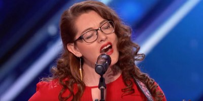 Deaf Singer Mandy Harvey Earns Simon's Golden Buzzer With Original Song