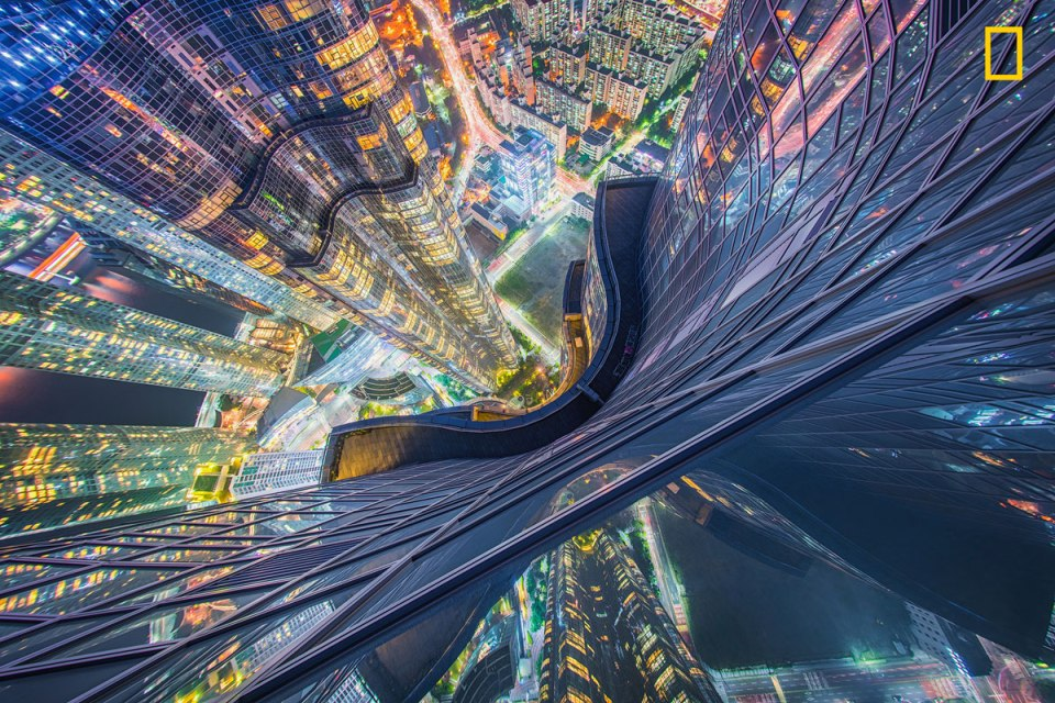 prod yourshot 415592 9087218 006 10 Amazing Cityscapes from the 2017 Nat Geo Travel Photographer of the Year Contest