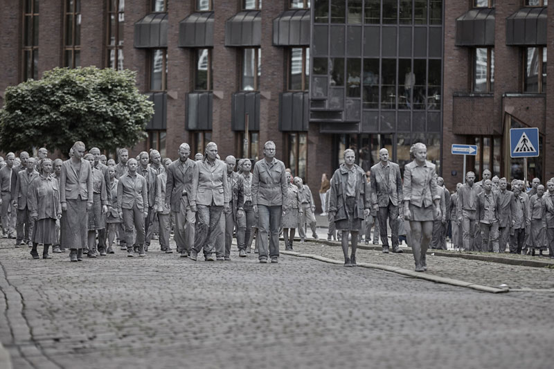 1,000 Clay Figures Descend Upon G20 in Powerful Protest Performance
