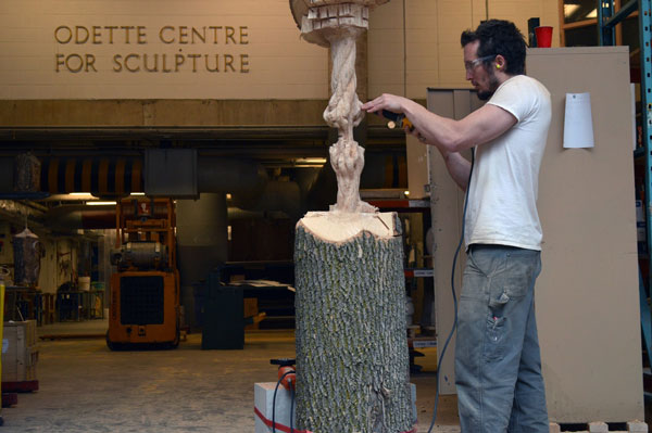 schrodingers wood by maskull lasserre 4 This Was Carved from a Single Ash Tree Trunk