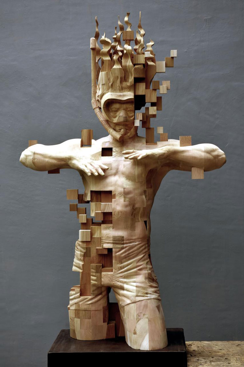 glitch wood carving pixelated snorkeler by hsu tung han 2 Glitch Wood Carving: Pixelated Snorkeler by Hsu Tung Han