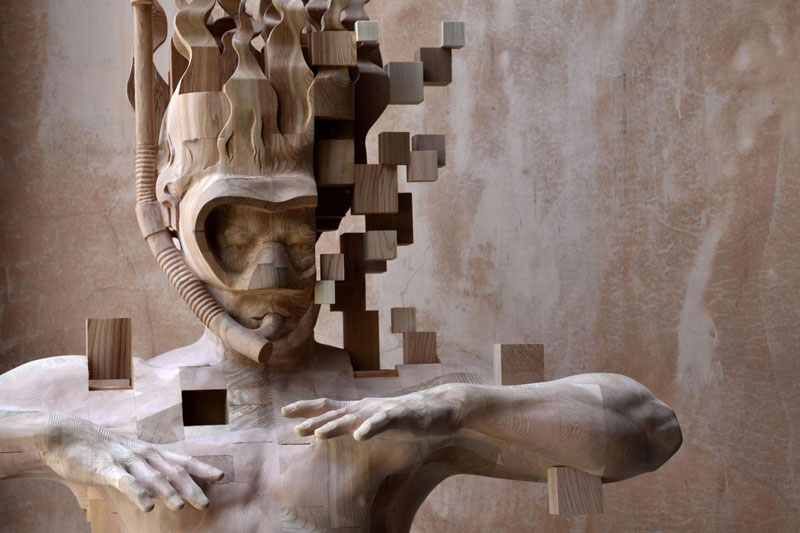 glitch wood carving pixelated snorkeler by hsu tung han 4 Glitch Wood Carving: Pixelated Snorkeler by Hsu Tung Han