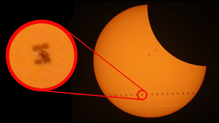 Smarter Every Day Got Amazing Footage of the ISS Transiting the Sun During theEclipse
