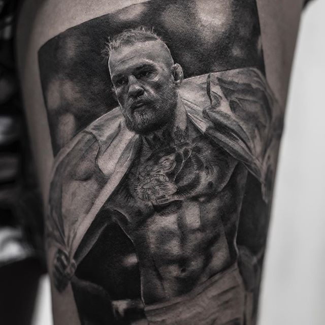 black and white tattoos look like photos printed on skin by inal bersekov 5 These Black and White Tattoos Look Like Photos Printed on Skin
