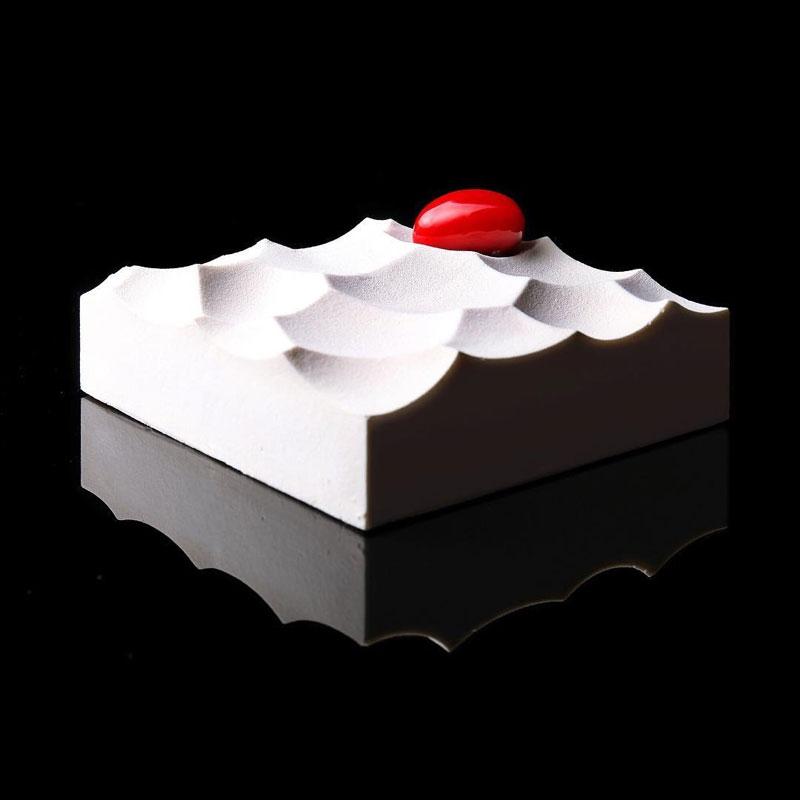 dinara kasko is pushing the boundaries of cake design 12 Dinara Kasko is Pushing the Boundaries of Cake Design (15 Photos)