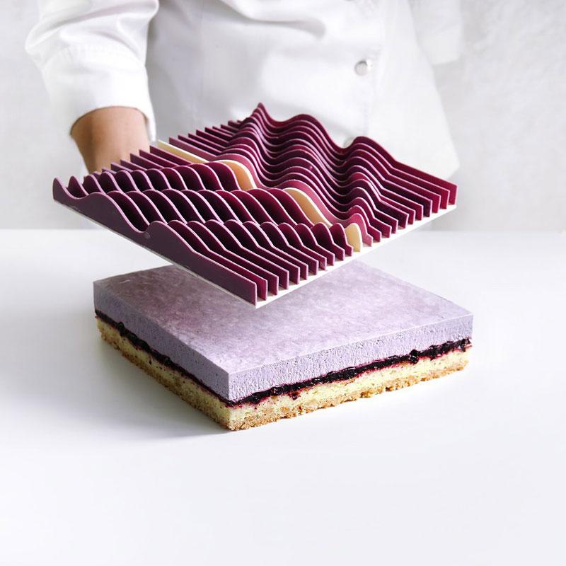 dinara kasko is pushing the boundaries of cake design 7 Dinara Kasko is Pushing the Boundaries of Cake Design (15 Photos)