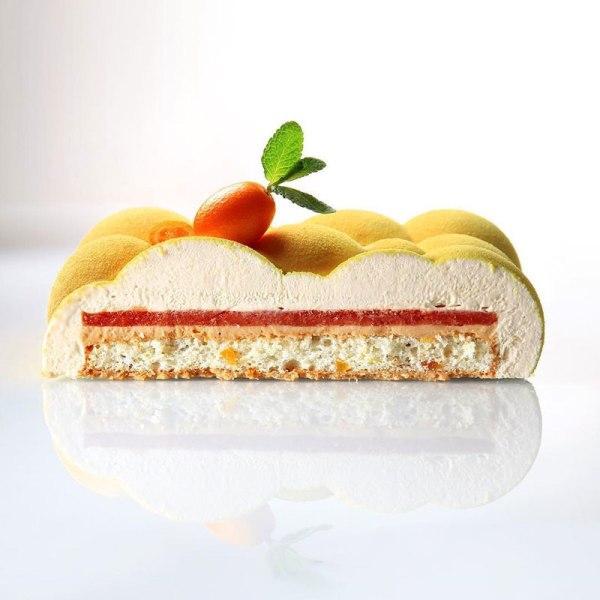 dinara kasko is pushing the boundaries of cake design 9 Dinara Kasko is Pushing the Boundaries of Cake Design (15 Photos)