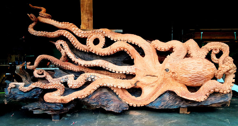 octopus carved from fallen redwood by jeffrey michael samudosky 11 Artist Transforms Fallen Redwood Into Giant Octopus (15 Photos)