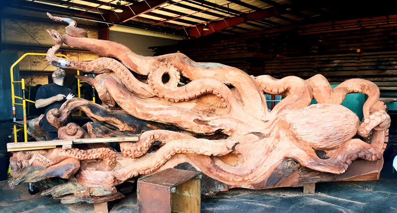 octopus carved from fallen redwood by jeffrey michael samudosky 7 Artist Transforms Fallen Redwood Into Giant Octopus (15 Photos)