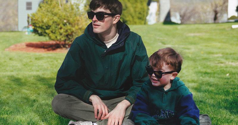 Artist Photoshops Himself Into His Childhood Photos (11Pics)