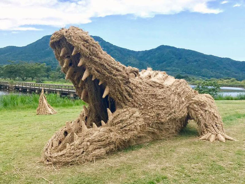 giant straw animals japan wara art festival 2017 5 Every Year Japanese Art Students Get Together and Make Giant Animals Out of Straw