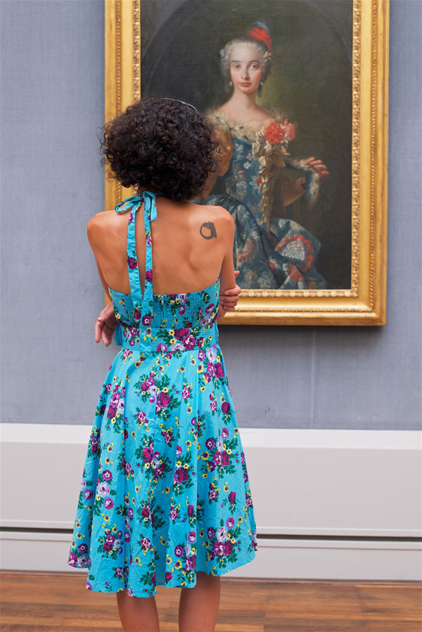 people matching painting they are looking at stefan draschan 7 25 Times People Matched the Painting They Were Looking At