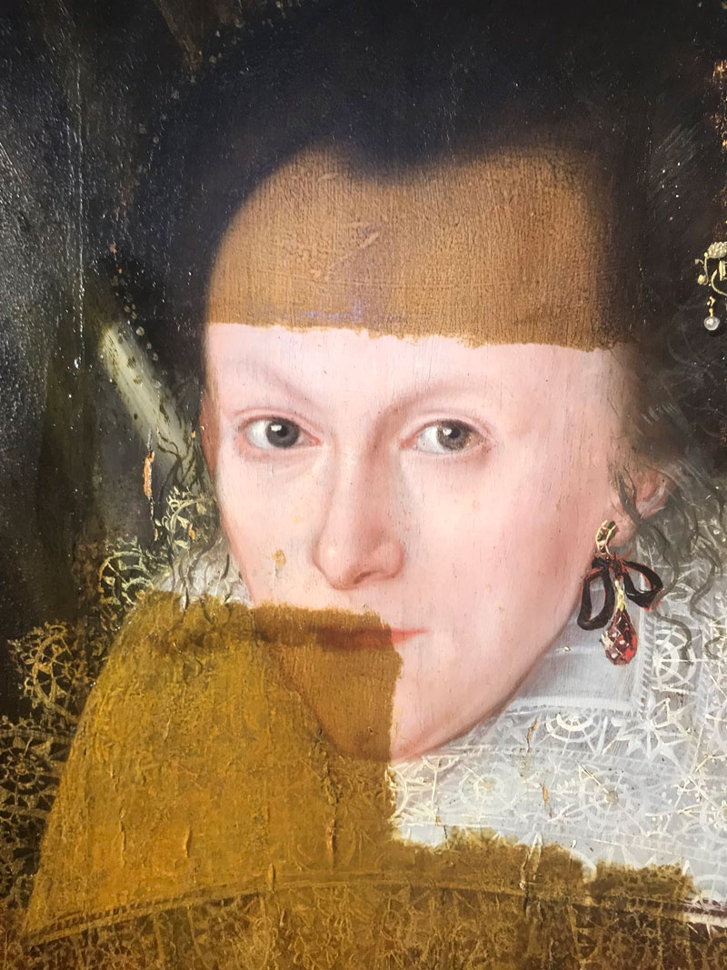 removing 200 years of varnish from a painting 3 Removing 200 Years of Varnish from a Painting Looks Deeply Satisfying