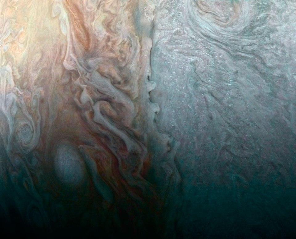jupiter up close looks like a van gogh painting 1 Jupiter Up Close Looks Like a Van Gogh Painting (10 Photos)