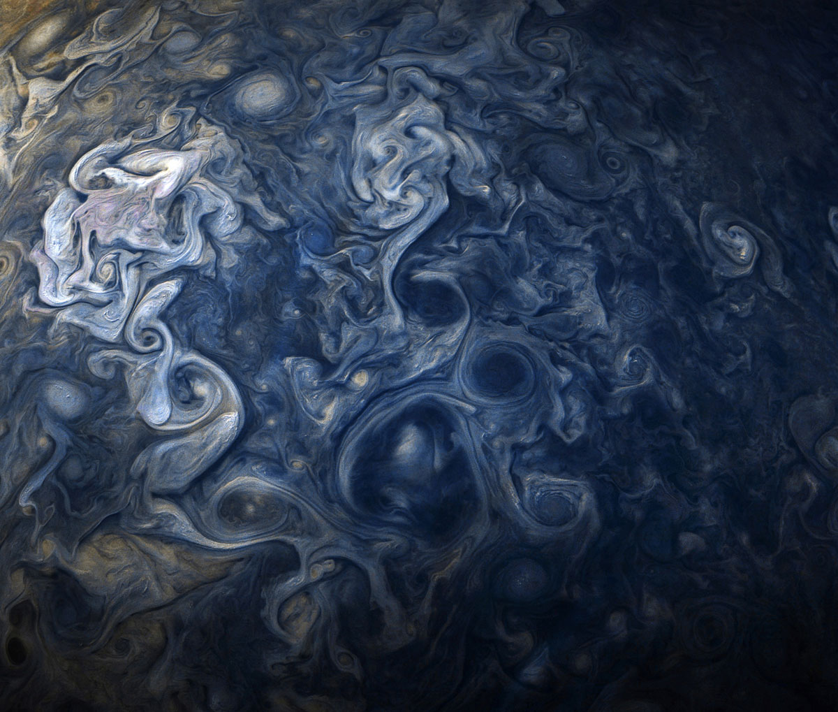 jupiter up close looks like a van gogh painting 10 Jupiter Up Close Looks Like a Van Gogh Painting (10 Photos)