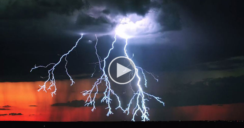 This Might Be the Best Lightning Storm Timelapse I've Ever Seen
