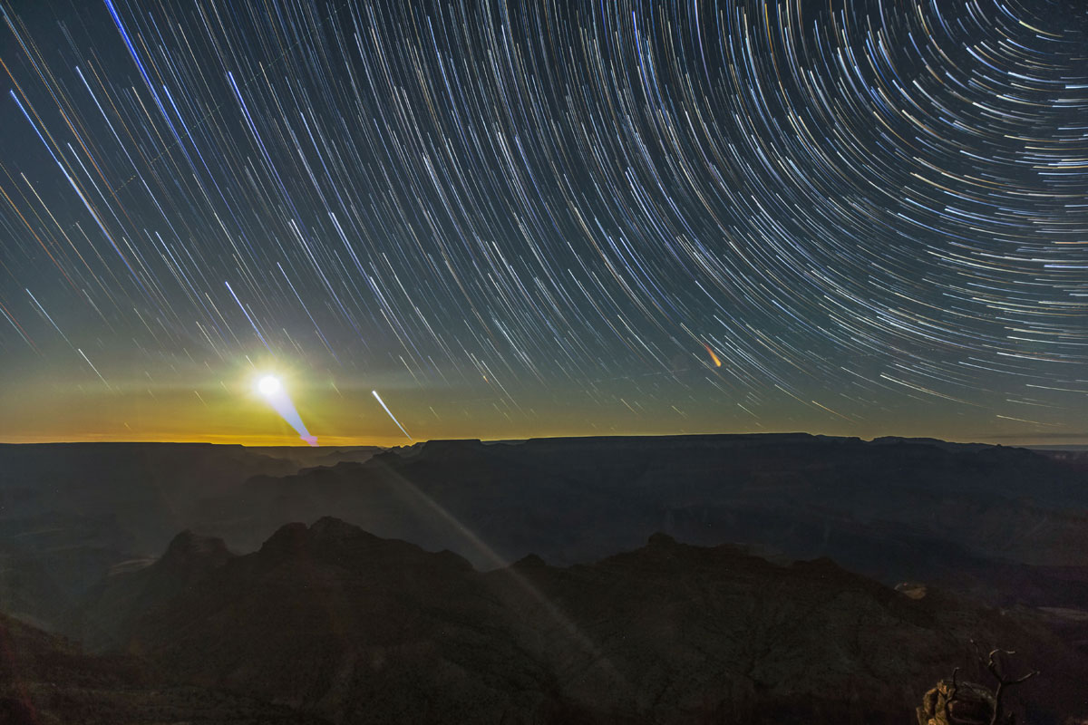 skyglow project harun mehmedinovic kaibab requiem 10 Amazing Things Happen at the Grand Canyon and this Timelapse Captures Them Beautifully