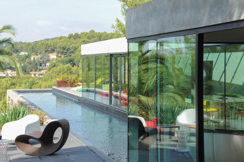 villa on the rocks france with aquarium pool 21 This Airbnb in the South of France Comes with a 91 Foot Aquarium Pool