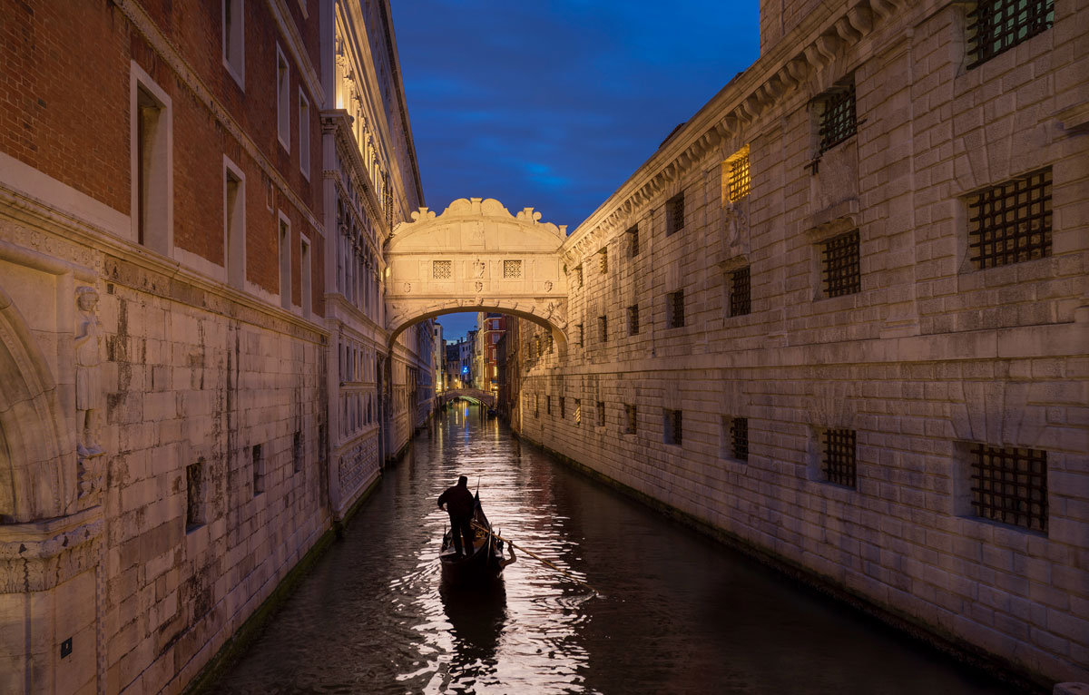 008  A National Geographic Tour of Interesting Bridges Around the World (8 Photos)