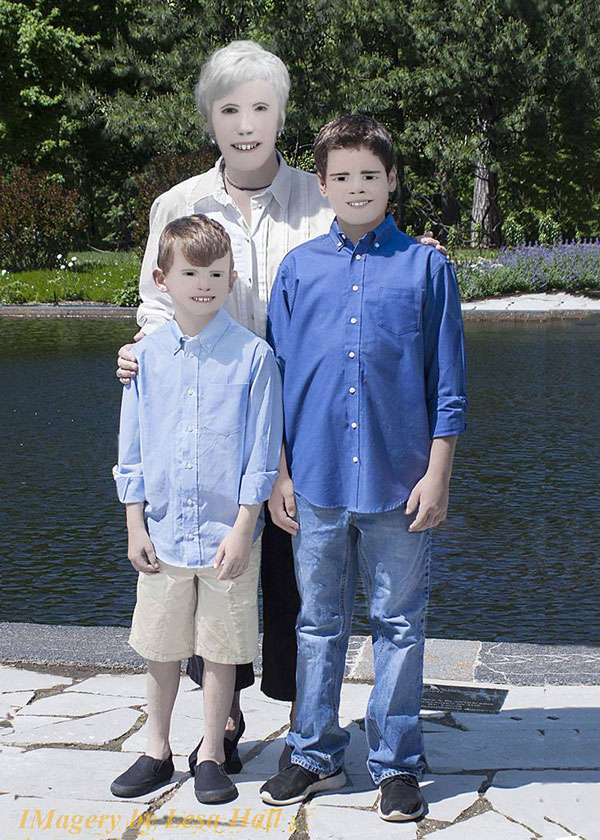 family photo photoshop fail facebook viral 6 Family Photo Shoot Goes Horribly Wrong