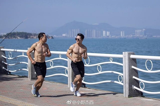 father and son decide to get in shape together 2 Father and Son Decide to Get in Shape Together (9 Pics)