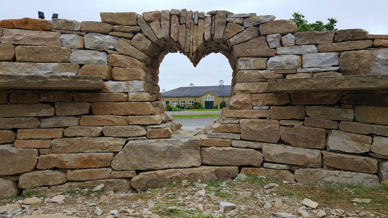 johnny clasper stonework art 5 Johnny Clasper Carefully Places Stones to Create Amazing Works of Art