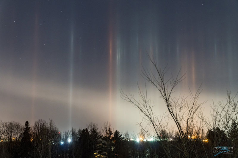 light pillars in moncton canada by sophie melanson 1 Amazing Light Pillars Spotted Over Moncton, New Brunswick, Canada