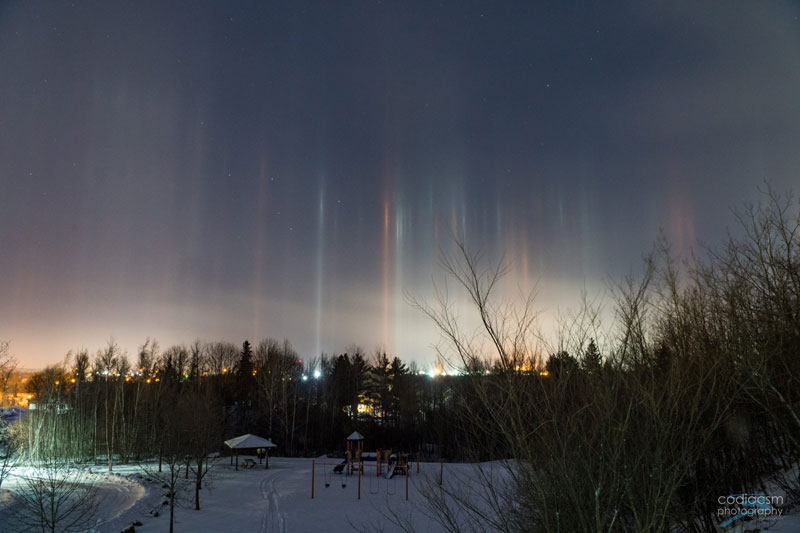 light pillars in moncton canada by sophie melanson 3 Amazing Light Pillars Spotted Over Moncton, New Brunswick, Canada