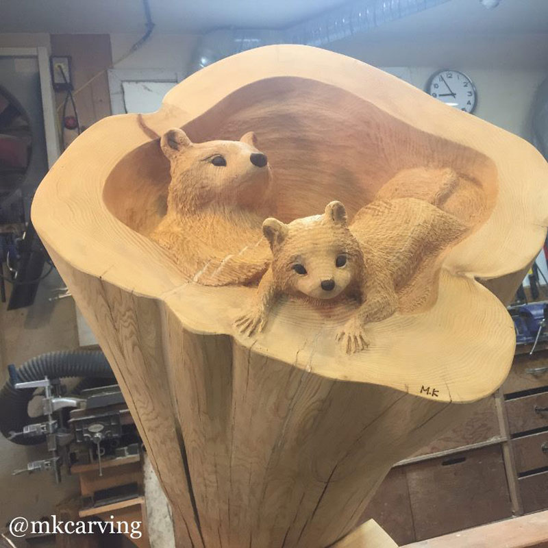 mori kono carves animals crawling out of fallen logs 4 Amazing Artist Carves Animals Crawling Out of Fallen Logs