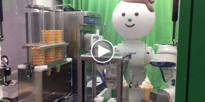 This Robot Vending Machine Will Serve You Ice Cream for 100Yen