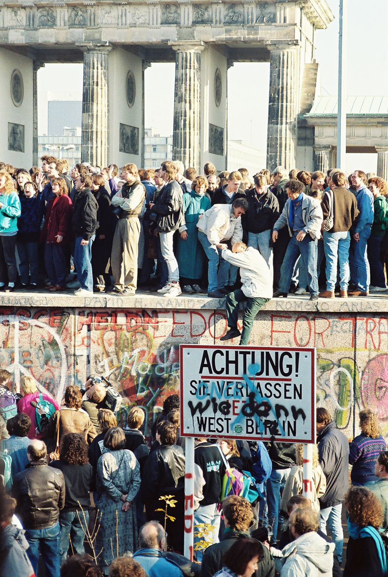 fall or berlin wall 4 10,317 Days Later, The Berlin Wall Has Been Down Longer Than It Stood