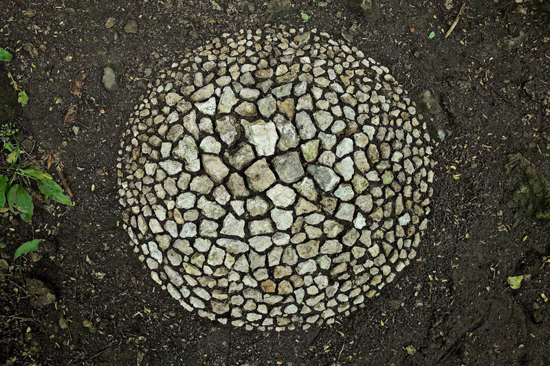 james blunt arranges natural objects into ephemeral patterns and designs 5 Artist Arranges Natural Objects Into Ephemeral Patterns and Designs