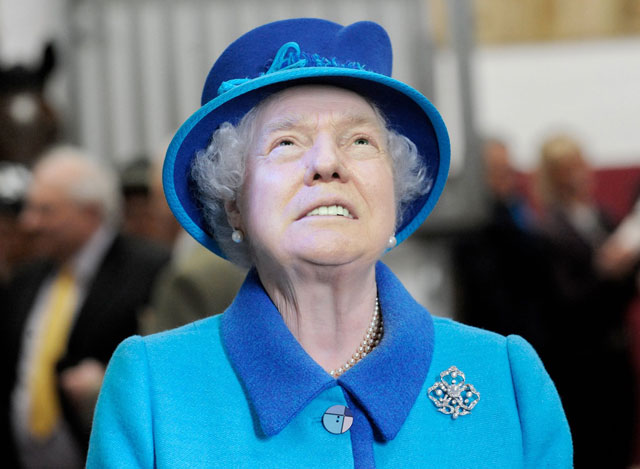 photoshopping trumps face onto the queens 10 This Woman Cant Stop Photoshopping Trumps Face Onto the Queens (Top 50)