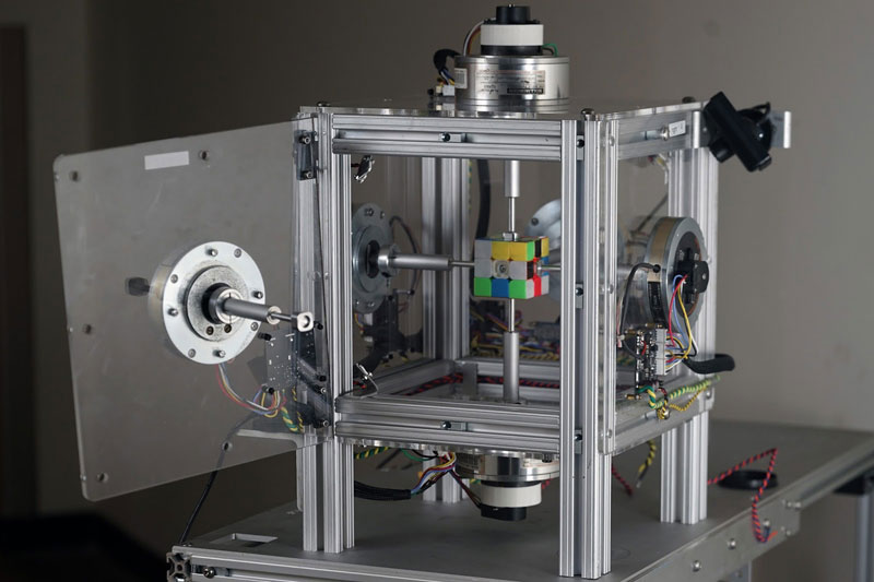 machine solves rubiks cube in 0 38 seconds 8 This Machine Just Solved a Rubiks Cube in 0.38 Seconds