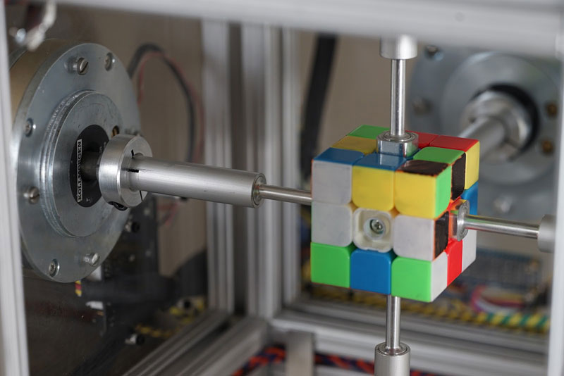 machine solves rubiks cube in 0 38 seconds 9 This Machine Just Solved a Rubiks Cube in 0.38 Seconds