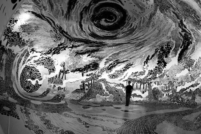 Artist Uses 120 Sharpies to Create Giant 360 Drawing Inside InflatableBalloon