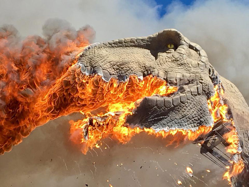 animatronic trex on fire 1 A Life Size Animatronic T Rex Burst Into Flames and the Pics are Metal AF