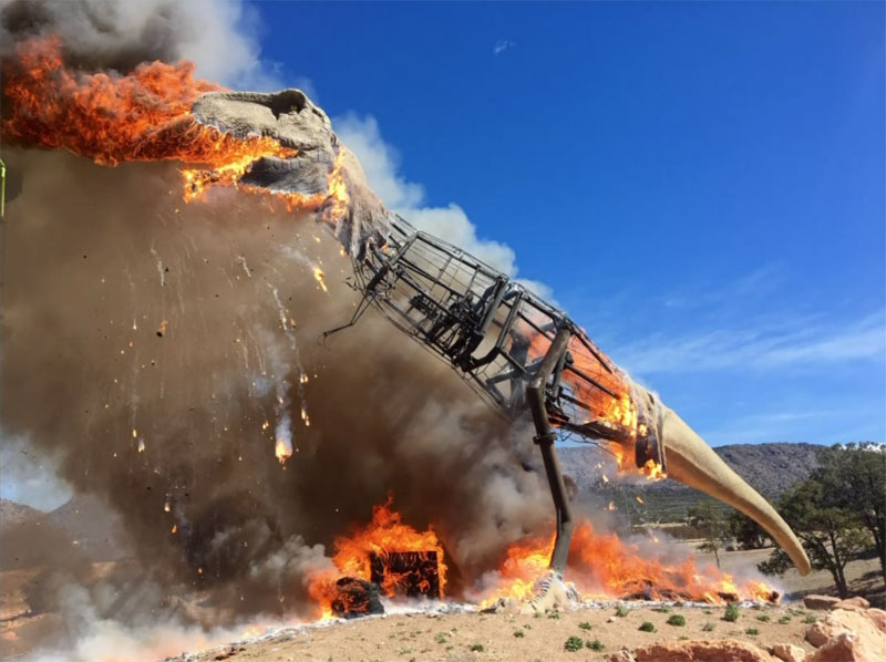 animatronic trex on fire 6 A Life Size Animatronic T Rex Burst Into Flames and the Pics are Metal AF